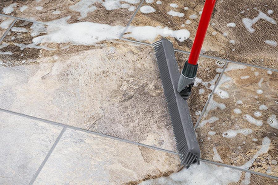 2in1機能でタイル床の水掃除も